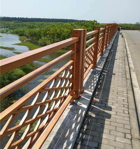 <strong>护栏木纹漆效果比防腐木好的原因-护栏木纹漆工艺</strong>